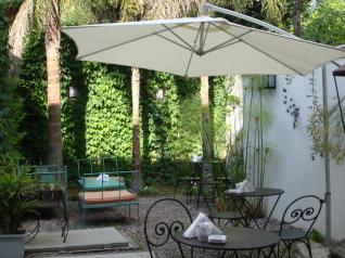 El jardín de Süss Cupcake Cafe te espera para celebrar los lunes como si fueran viernes