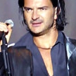 Ricardo Arjona mantiene el primer lugar en Billboard con su lbum 5to Piso