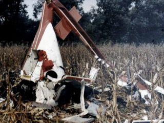 Exhumarán los restos de Carlos Menem Jr.