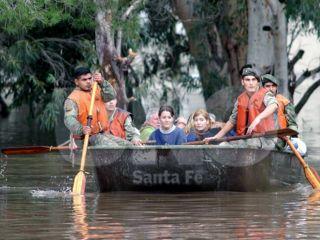 Cientos de evacuados por inundaciones