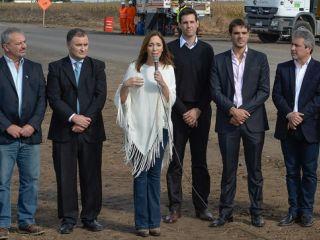 Vidal anunció inversiones por $16 mil millones en obras viales