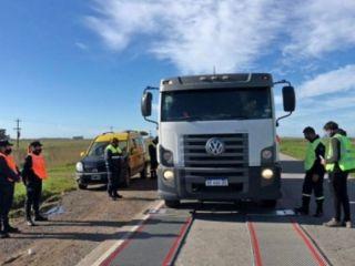 Intensifican los controles de carga en distintas rutas de la Provincia