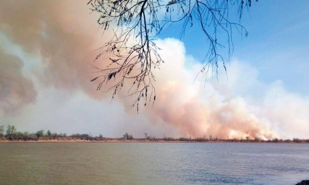 Incendio en las islas del Paraná