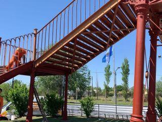 Pergamino: Comenzó la pintura del Puente de Hierro, una estructura construida en Londres