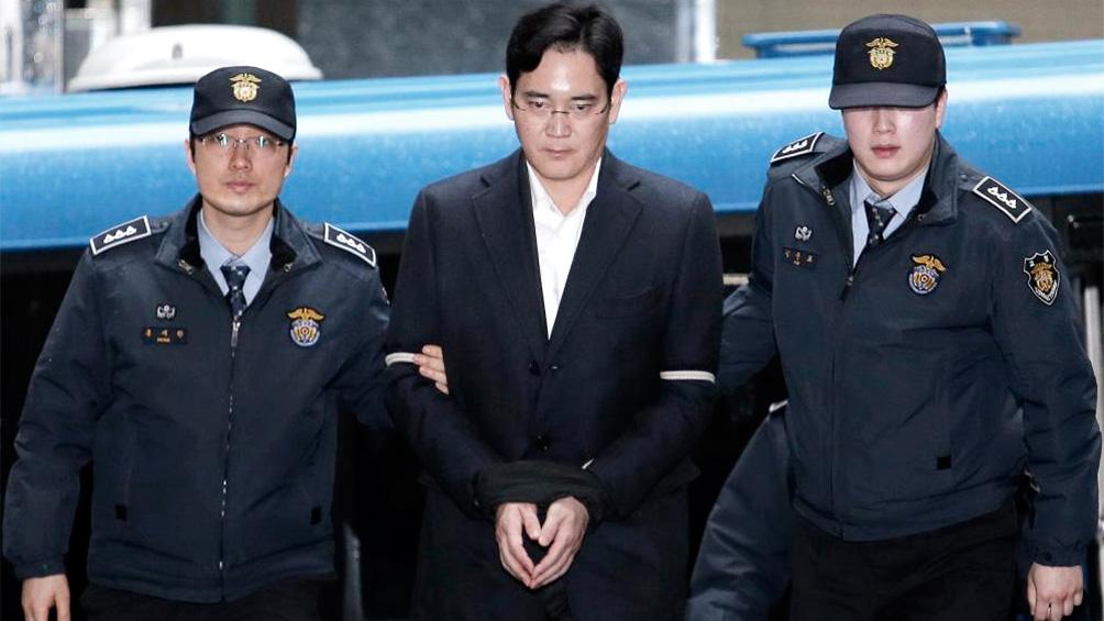 Cárcel por corrupción al heredero de Samsung