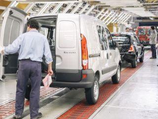 Renault siente la crisis y suspende a 1.500 empleados