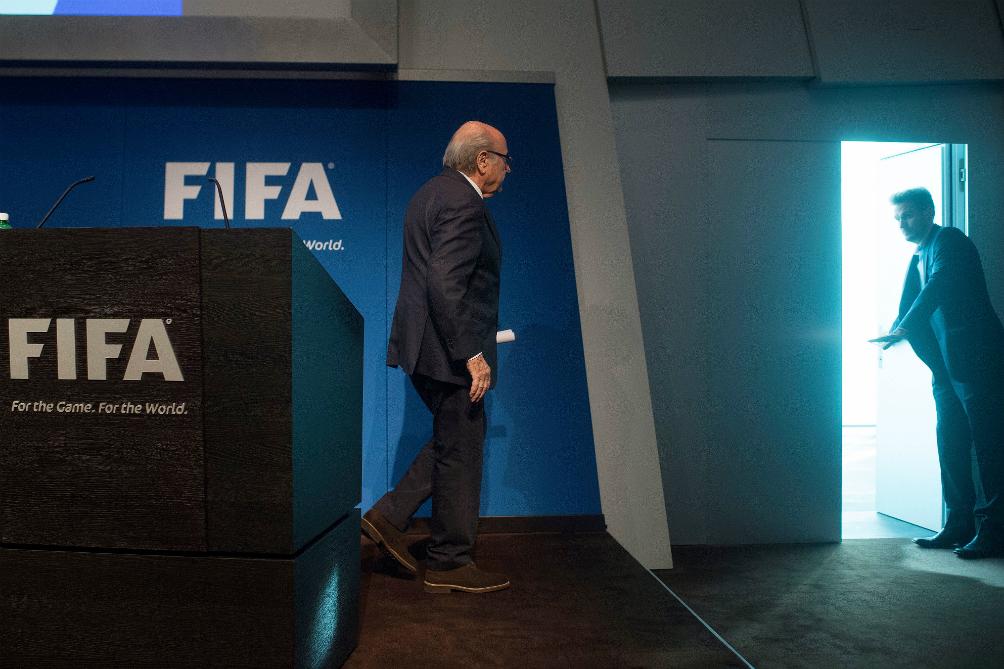 El día que renunció Blatter