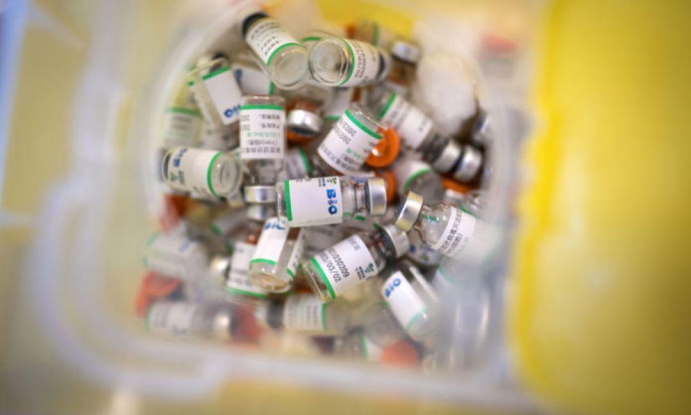La OMS recomienda aplicar una tercera dosis
