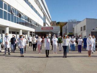 Médicos bonaerenses cumplen un paro de 48 horas en rechazo al aumento salarial otorgado por decreto