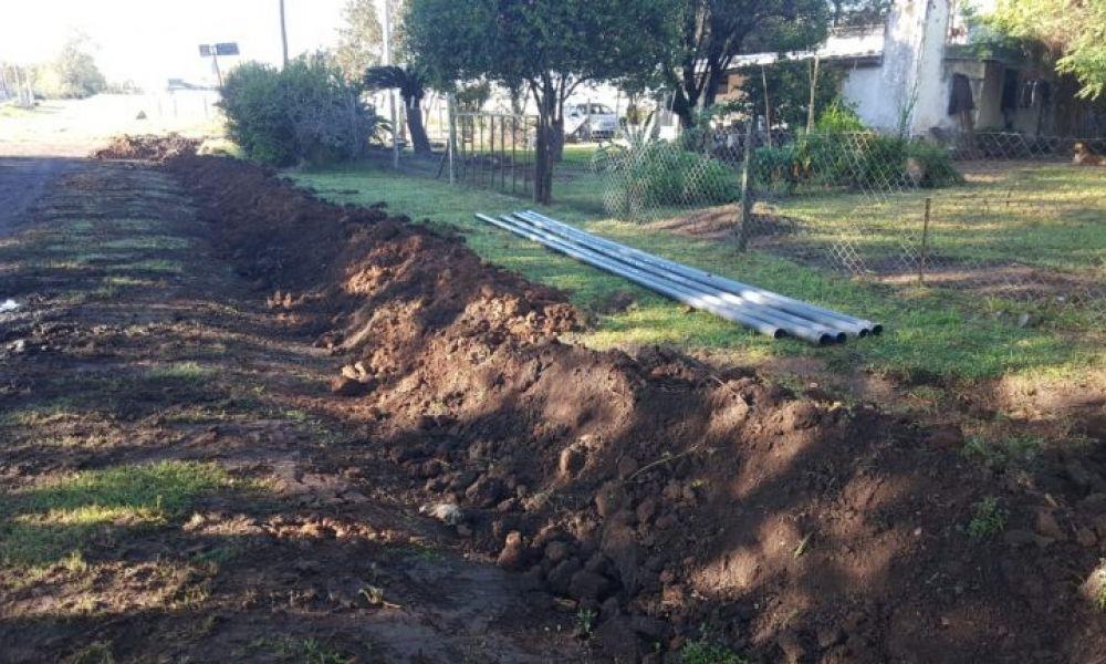 Extienden la red de agua potable en Urquiza