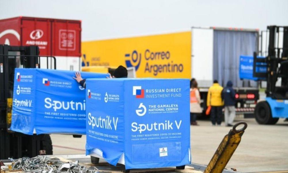 Llegaron 400.000 dosis del componente 2 de Sputnik V
