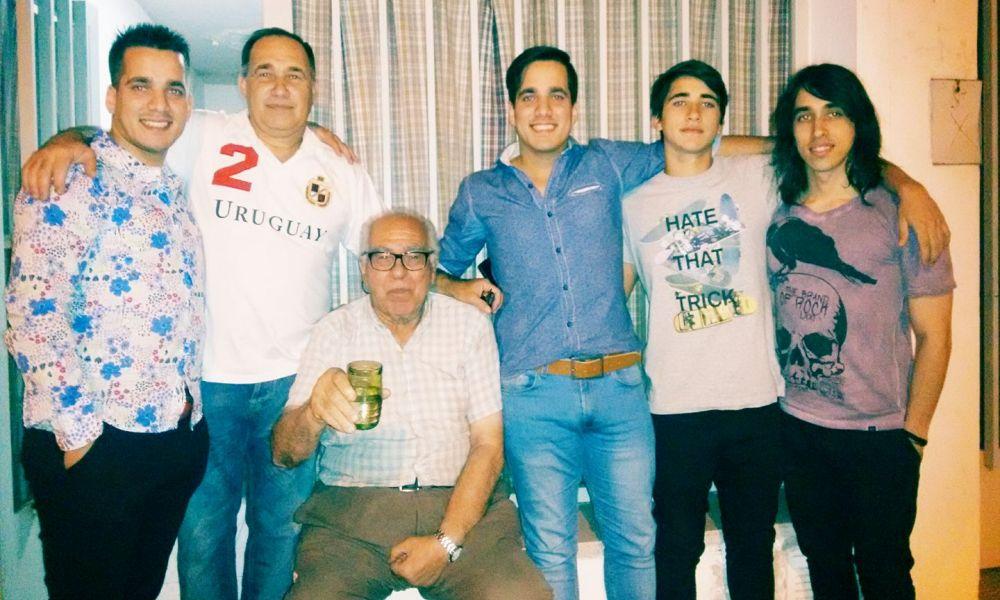 Sebastián Álvarez y su familia