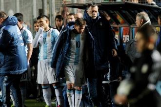 Messi sufrió un traumatismo en la zona lumbar