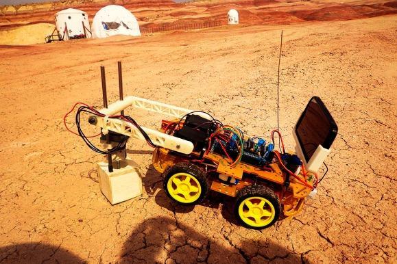 Argentino presentó un robot que diseñó para la NASA