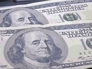 Pergamino: Vendió su iPhone, recibió dólares falsos y una mujer terminó detenida