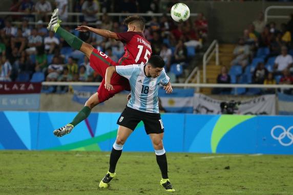 Argentina cayó en el debut olímpico