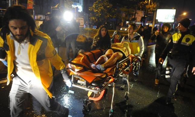 Ataque en discoteca dejó 39 muertos