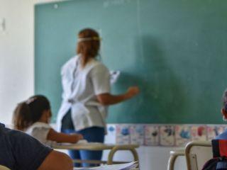 A trabajar: Los docentes dispensados que están vacunados deben reintegrarse a sus funciones