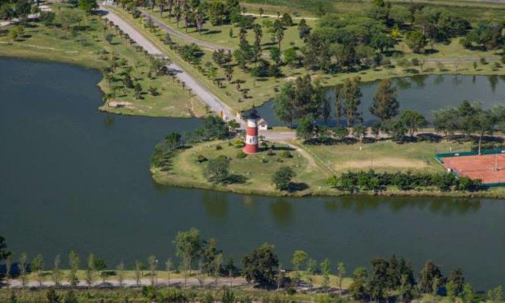 Lago Municipal de Colón