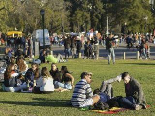 Alertan sobre un posible rebrote de contagios de coronavirus en la Argentina para marzo
