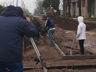 Pergamino: Continúa el Plan de Cordón Cuneta en los Barrios Santa Julia, Atahualpa Yupanqui y 25 de Mayo